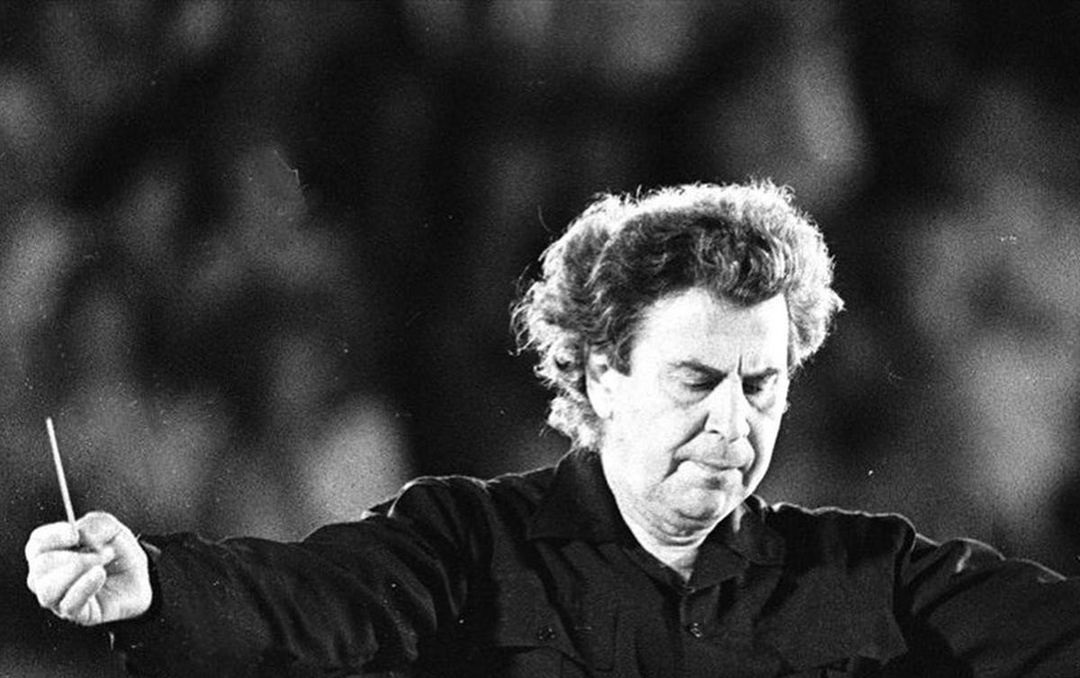 Μίκης Θεοδωράκης: Η Ελλάδα θρηνεί τον σπουδαίο μουσικοσυνθέτη -Τριήμερο  εθνικό πένθος   Female-G
